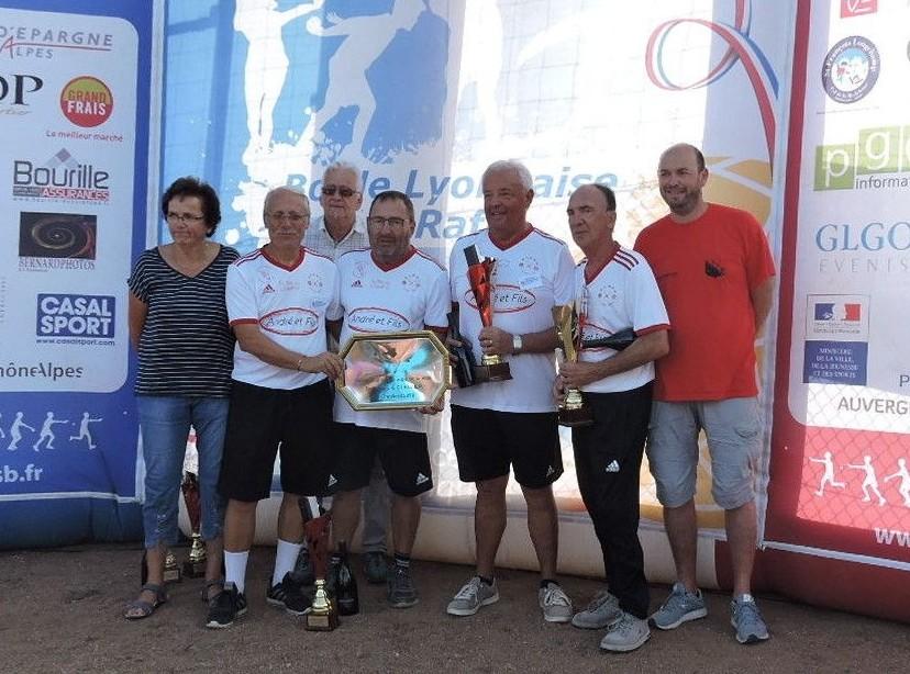 Victoire en coupe de la ville du CDF quadrette Vétérans